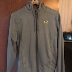 Size Med Under Armour Hooded Sweatshirt